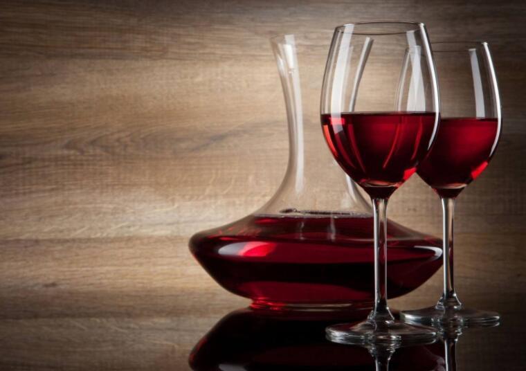 红酒可以像啤酒一样放在冷柜中吗?